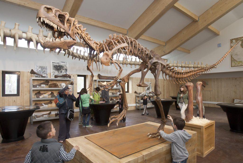 Parque temático de dinosaurios Barranco Perdido, cerca de Arnedo, en La Rioja Baja