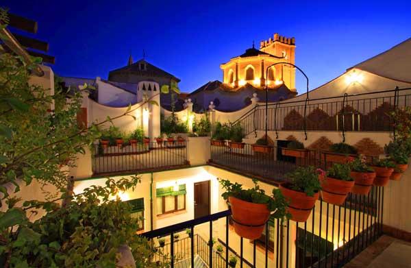 Escapada romántica con aromas andalusíes en Casa Baños de la Villa