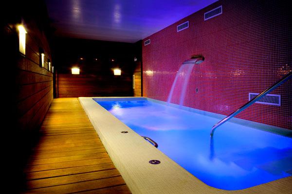 Escapada romántica con un jacuzzi privado en el Pirineo en Hotel San Ramón del Somontano