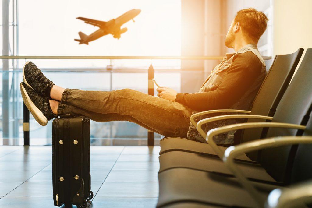 Ahorrar en escapadas de fin de semana sin facturar equipaje en vuelos