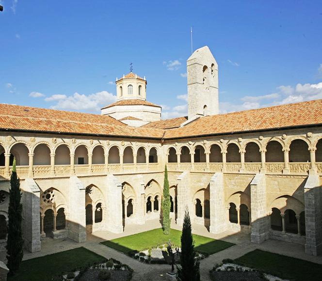 Claustro Monasterio de Santa María de Valbuena