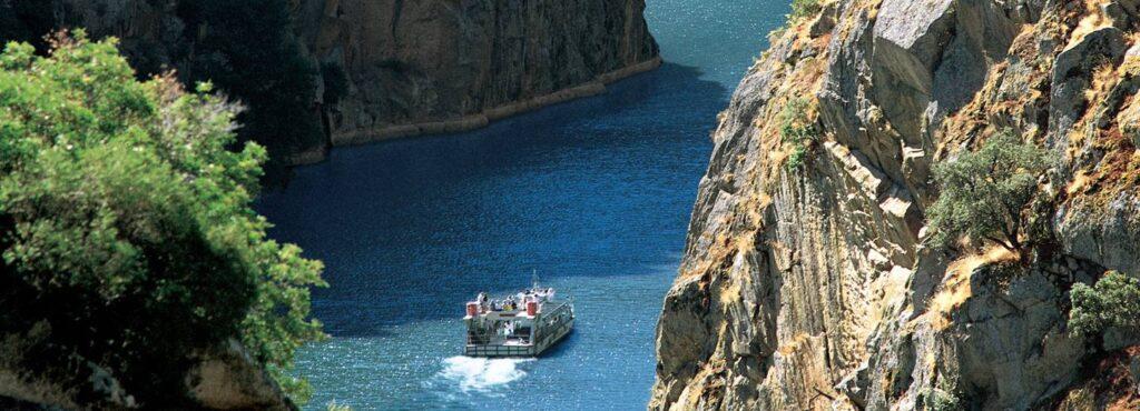 Ruta fluvial en crucero por los cañones de los Arribes del Duero