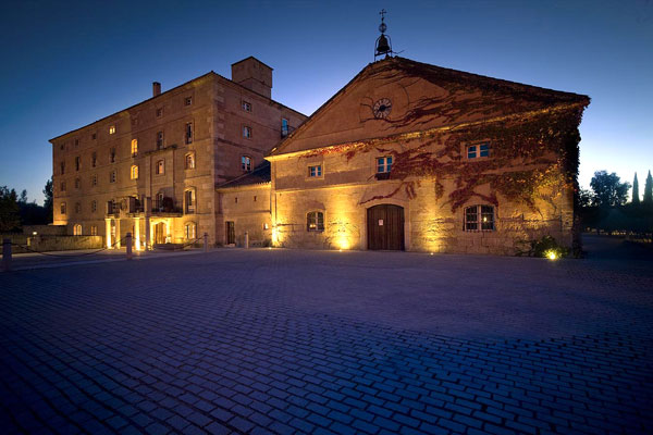 Fachada Hotel Bodega Hacienda Zorita Wine SPA