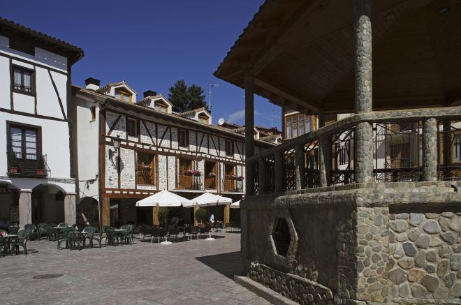 Plaza en Ezcaray, en La Rioja
