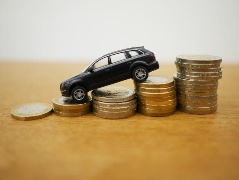 Ahorrar dinero en coche de alquiler barato