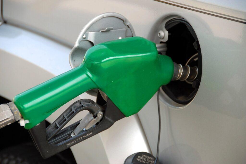 Surtidor de combustible coche